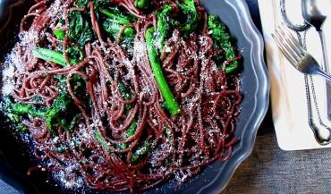 Espaguete ao Cabernet Sauvignon